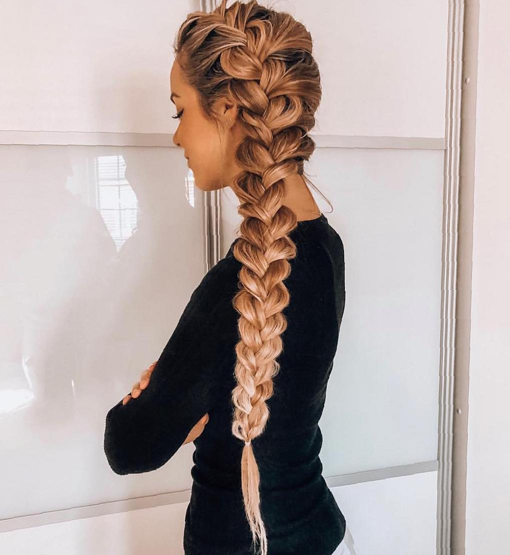 47 Elegant Ways To Style Side Braid For Long Hair side braid hairstyles, braid hairstyles, wedding hairstyle, boho hairstyles, party hairstyles