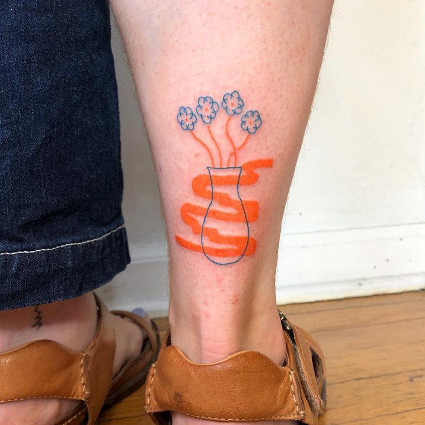 37 Extraordinary Female Calf Tattoos To Make You Jump Up With Joy calf tattoos,female tattoo,tattoo for women,tattoo trends,esthetic tattoo,ordinary tattoo